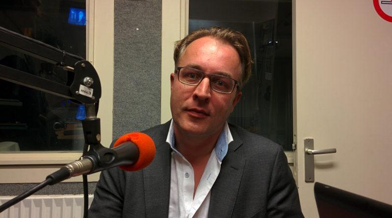 D66 voorman Jelle Jonkers vertolkt het standpunt van zijn fractie.