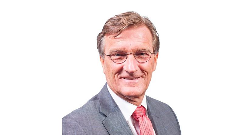 Kees Veerling in gesprek met de directeur van de Speeldoos Tom van der Poel