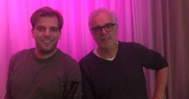 Annet in gesprek met David Roelofs en regisseur Howard van Dodemont van Stichting All, over musical The Wiz