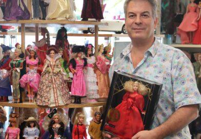 Paul Bouman van PM Collectibles heeft de grootste Barbie collectie in huis.